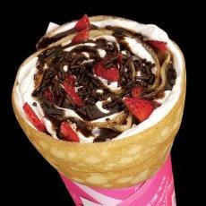 画像1: 最速明日発送。重ねたチョコの豊潤さ。イチゴ&チョコミクレープ。 (1)